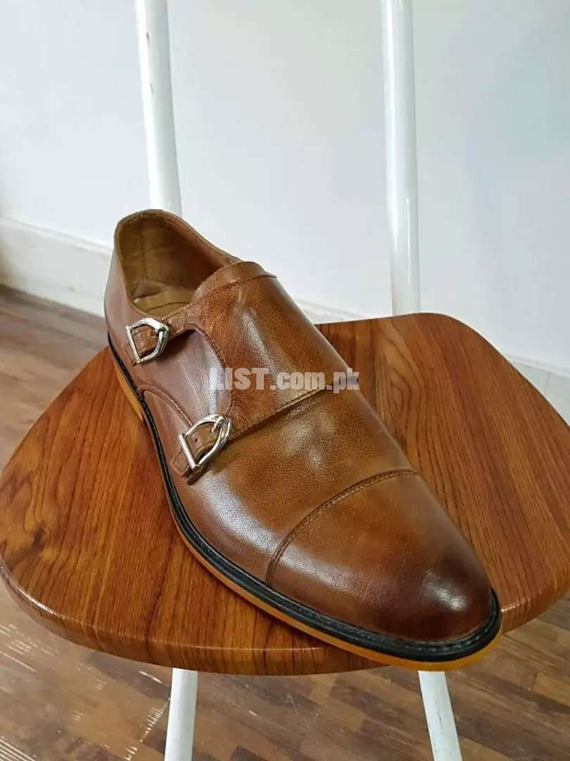 100 deaign Hand made customized shoes at factory price