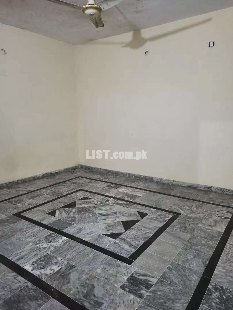 3rd Portion House Available for Rent 4BadRom 2Bath Rom 1 tv Lnch