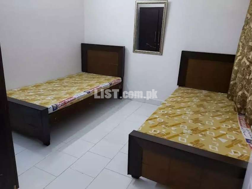 Fully furnished rooms for girls