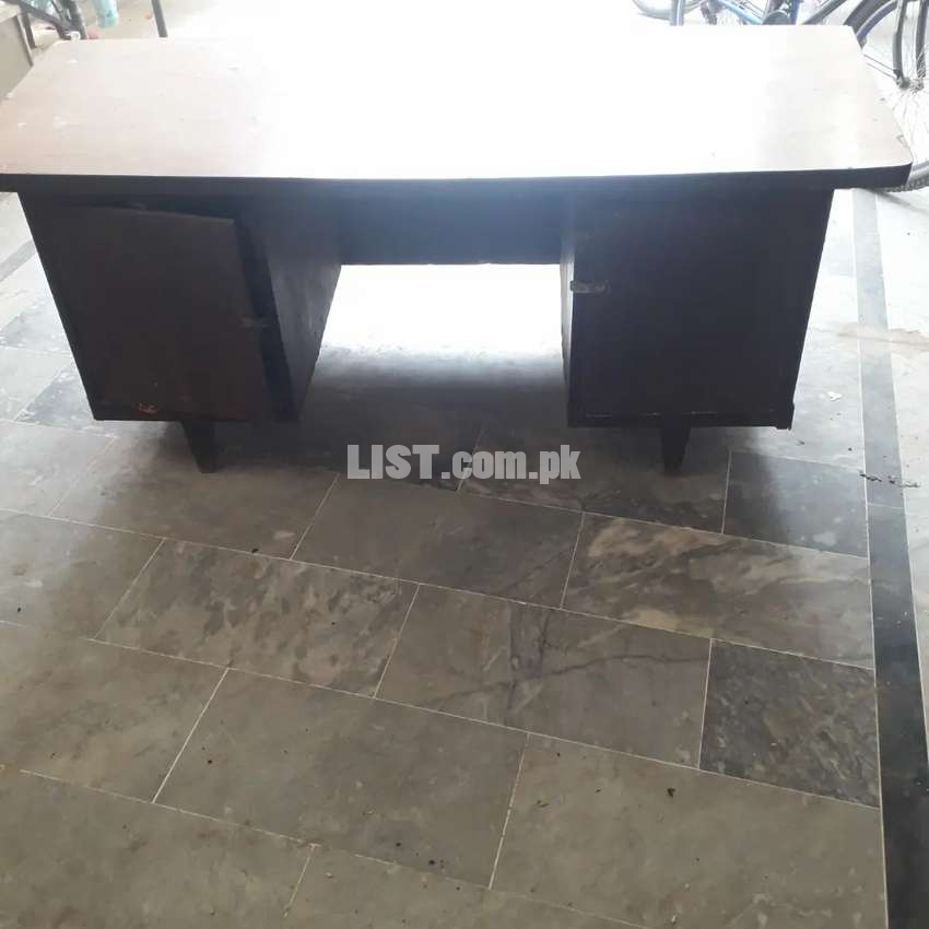 Table in good condition..